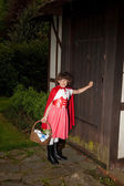 Little red riding hood arriving — Stock Photo
