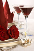 Wedding table roses — Stockfoto