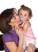 Przytulanie matki — Zdjęcie stockowe