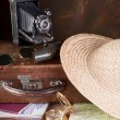 Retro suitcase and compass - Foto de Stock