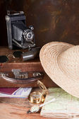 Retro suitcase and compass — Stock Photo