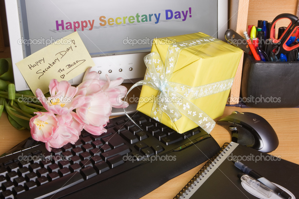 Flowers from the boss on secretary's day — Stock Photo #9866255