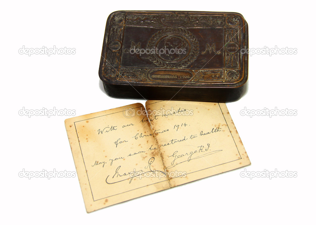 This brass gift tin was presented to navy and army personnel in World War One. It's content varied from tobacco and cigarettes to sweets and chocolate, a bullet pencil, greeting card and a picture of the17 year old princess. — Stock Photo #10040431