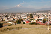 Popocatepetl volcano seen from Cholula Mexico — Stock Photo
