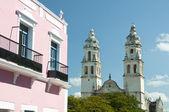 Colonial architecture in Campeche Mexico — Stock Photo