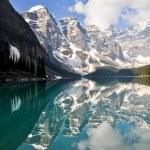 Moraine Lake, Rocky Mountains, Canada — Stock Photo #10515146