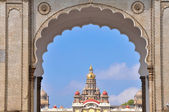 Mysore palace through the main gate. Karnataka, India — Stock Photo