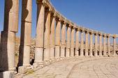 Oval Plaza at Jerash ruins (Jordan) — Stock Photo
