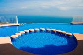Pool, apartment in mediterranean coast (Spain) — Stock Photo