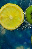 Kiwi i cytryny — Zdjęcie stockowe