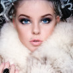 Woman in fur — Stock Photo