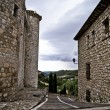 Foto Stock: Torijas Castle in Spain , street