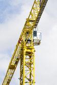 Construction crane against blue sky — Stock Photo