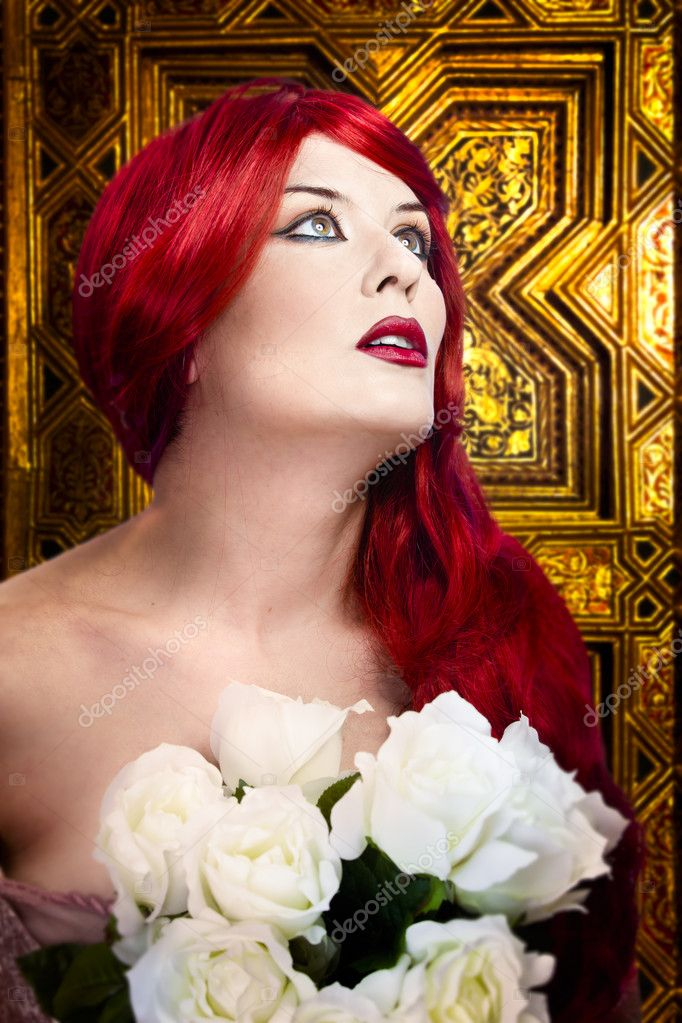 Gothic woman, faith concept. Red hair beautiful girl over  medieval gold background — Stock Photo #10112223