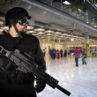 Defending the airports from terrorist attacks — Stock Photo