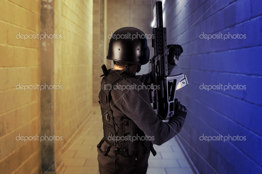 Airport security, armed police wearing bulletproof vests — Stock Photo #8665478