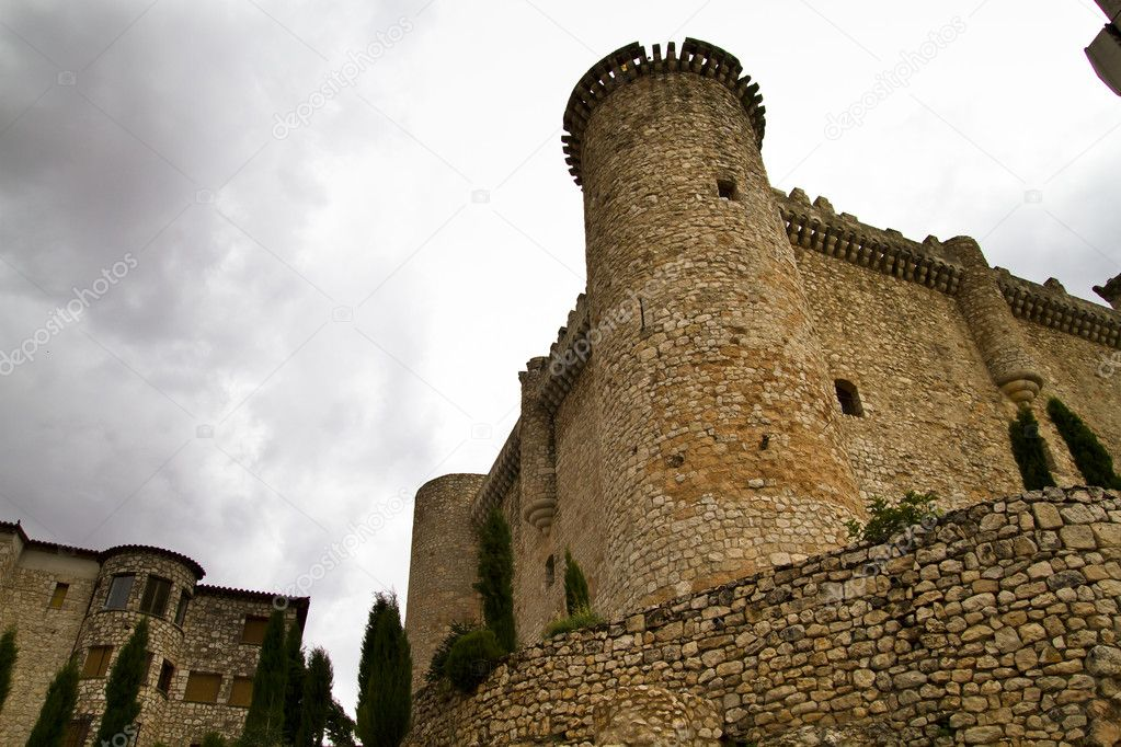 Defense tower, medieval building — Stock Photo #8685368