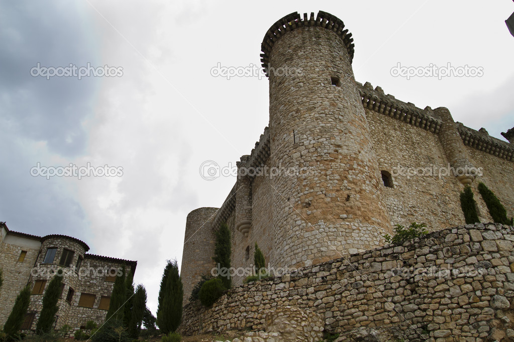 Defense tower, medieval building — Stock Photo #8685380