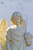 Melek heykeli mezarlığa — Stok fotoğraf