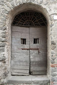 Old front door in Bracciano, Italy — Stock Photo