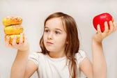 Hälsosam mat eller onyttig mat? — Stockfoto