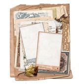 Antiguo archivo con cartas, fotos, dinero — Foto de Stock