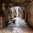 Narrow Archway in the City of Rovinj, Croatia — Stock Photo