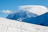 Inclinação sobre a estância de esqui de megève em alpes franceses — Fotografia Stock