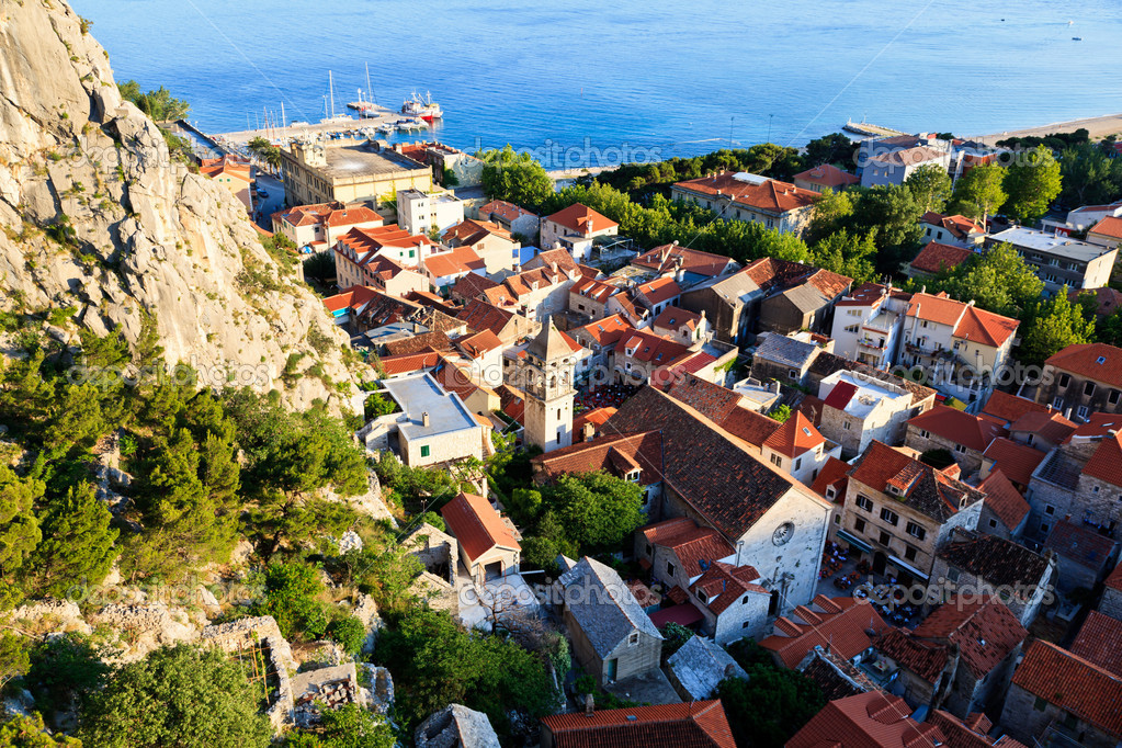 Panoramic View of Omis and Holy Spirit Church, Croatia — Stock Photo #8923768