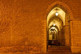 Archway in Tallinn Town Hall at Night in Raekoja Square, Estonia — Stock Photo