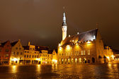 Tallinn Town Hall at Night in Raekoja Square, Estonia — Stock Photo