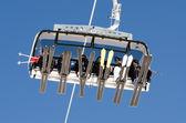 Ski lift alttan — Stok fotoğraf