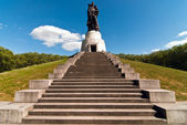 Berlin monument Soviet soldiers V1 — Stock Photo