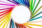 Χρωματιστά μολύβια σε λευκό φόντο — Φωτογραφία Αρχείου