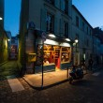 A classic parisian cafe at night — Stock Photo #9060405
