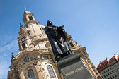 Martin Luther and Church Frauenkirche, Dresden — Stock Photo
