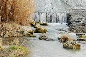 Pedras de rio em cascata — Foto Stock