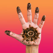 Henna design on the palm of the hand - 02 — Stock Photo