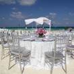 Wedding setting on tropical island beach — Stock Photo #10481715
