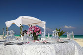 Wedding on a beach in a tropic resort. — Stock Photo