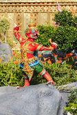 Garuda statues d'animaux dans la littérature thaïe. — Photo