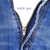 Closeup of zipper in blue jeans — Stock fotografie