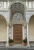Entering the cathedral of San Zeno — Stock Photo