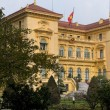 Vietnam Hanoi. Presidential Palace in garden and wi — Stock Photo