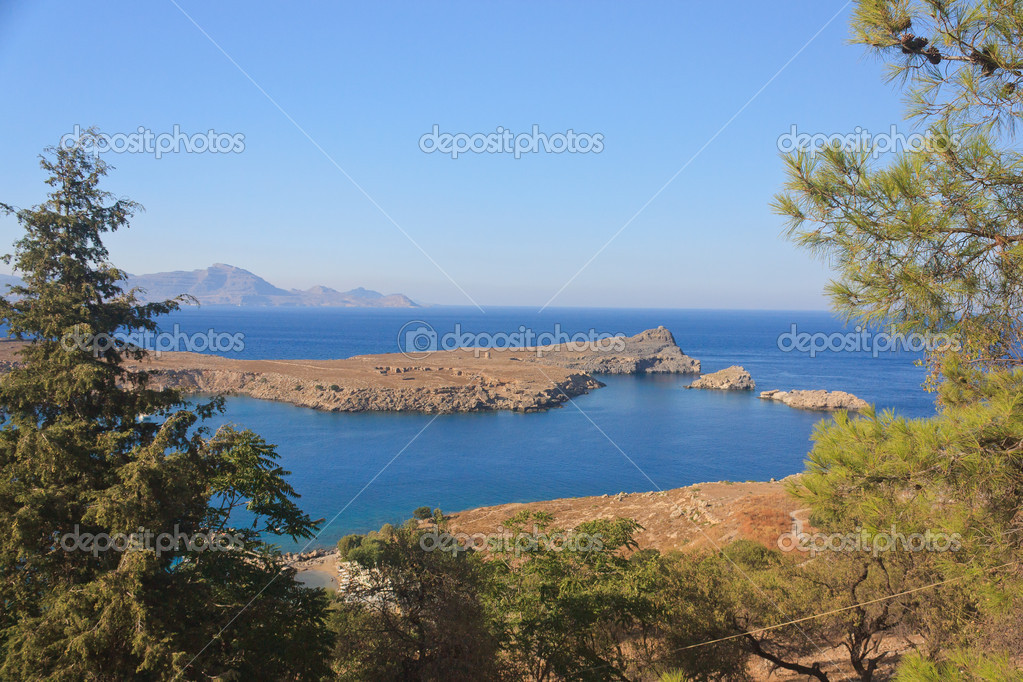 Views of the Mediterranean bay from the heights — Stock Photo #9732205