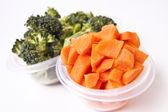 Chopped Vegetables in Plastic Container — Stock Photo
