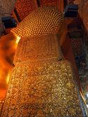 La parte posterior del descanso buddha, wat pho, bangkok, tailandia — Foto de Stock