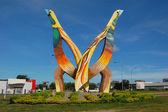 Birds monument — Stock Photo