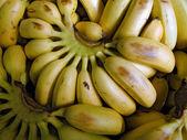 熟したバナナの束 — ストック写真