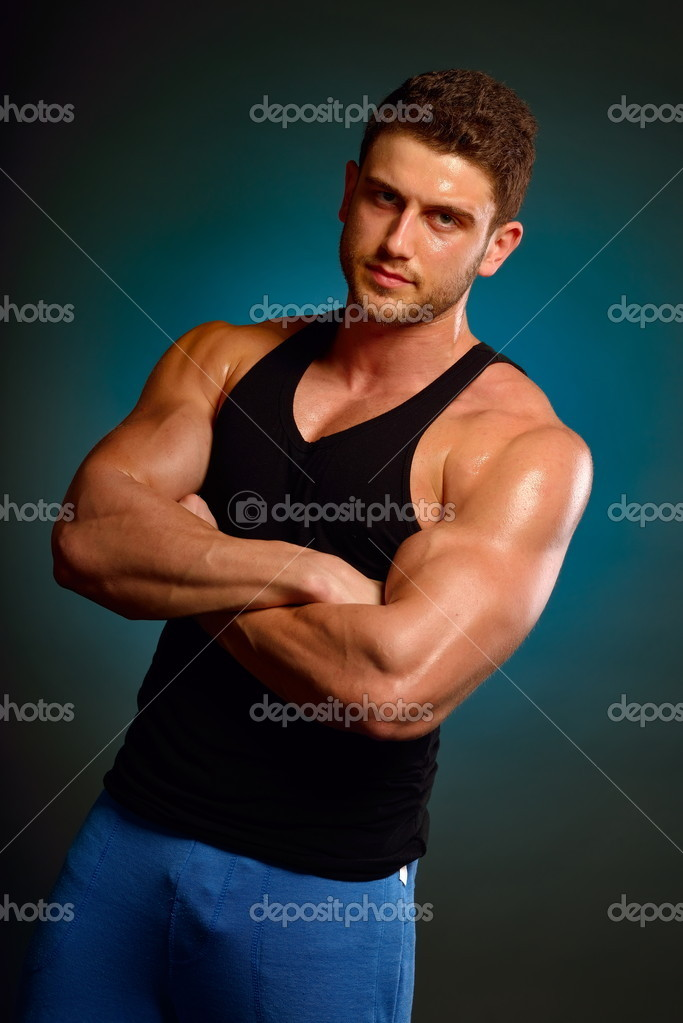 Athletic young man — Stock Photo #10626771